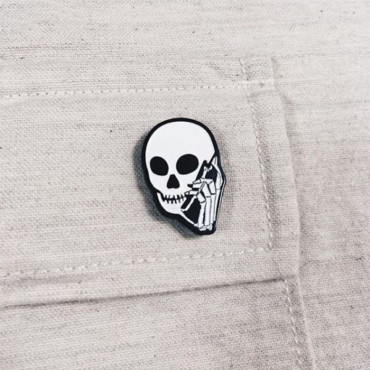 Skullphone Pin