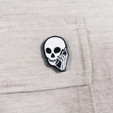 Skullphone Pin